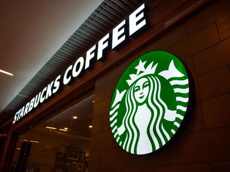 Serão três unidades da Starbucks dentro do Aeroporto Internacional de Florianópolis. Foto: Bigstock.