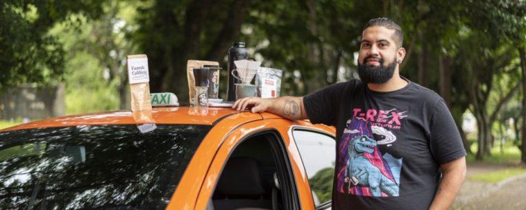 Caio Bohrer, do Café no Táxi. Foto: Fernando Zequinão/Gazeta do Povo