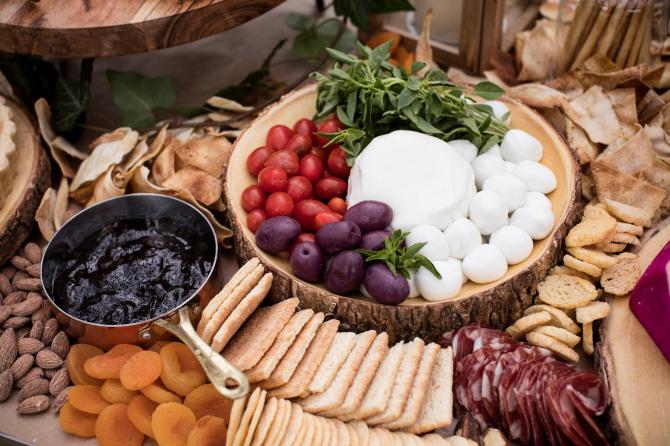 Escolha dos ingredientes é essencial para a montagem. Foto: Alexandre Mazzo/ Gazeta do Povo.
