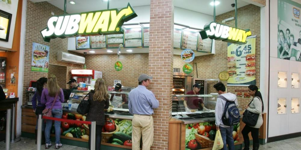 A rede norte-americana Subway afirma que abrir uma franquia da marca requer baixo investimento e operações simples. Foto: Daniel Castellano/Gazeta do Povo.