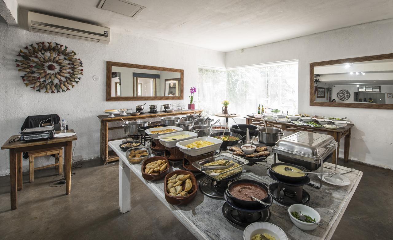 Buffet do Dedo de Moça, que serve almoço de segunda a sábado. Foto: Letícia Akemi/Bom Gourmet