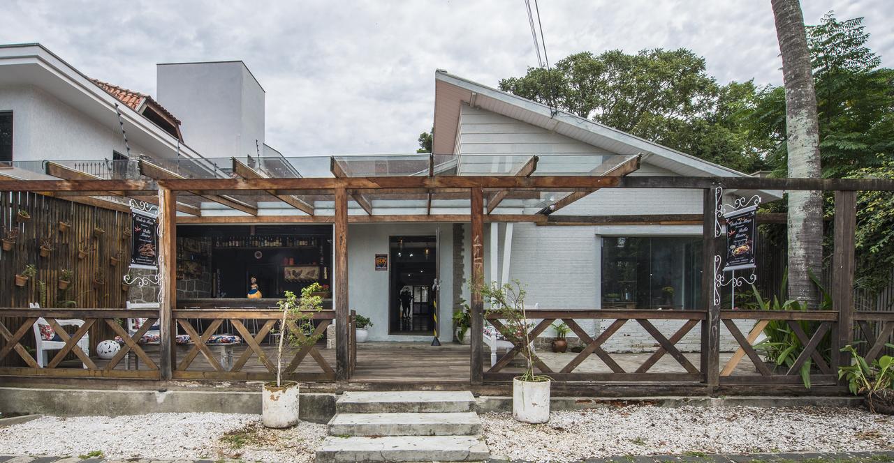 Fachada do novo restaurante Dedo de Moça, que aos poucos volta ao ritmo. Foto: Letícia Akemi/Bom Gourmet
