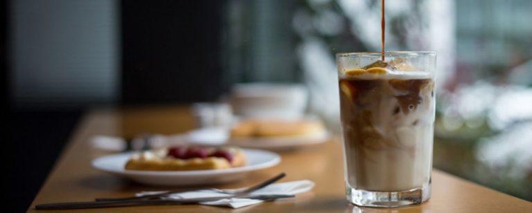 Onde tomar café com leite gelado em Curitiba