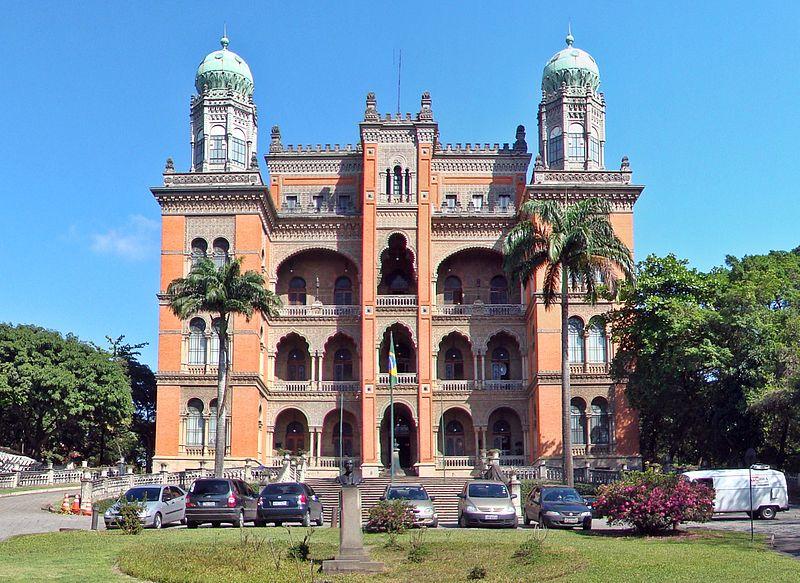 Descubra os castelos escondidos pelo Brasil