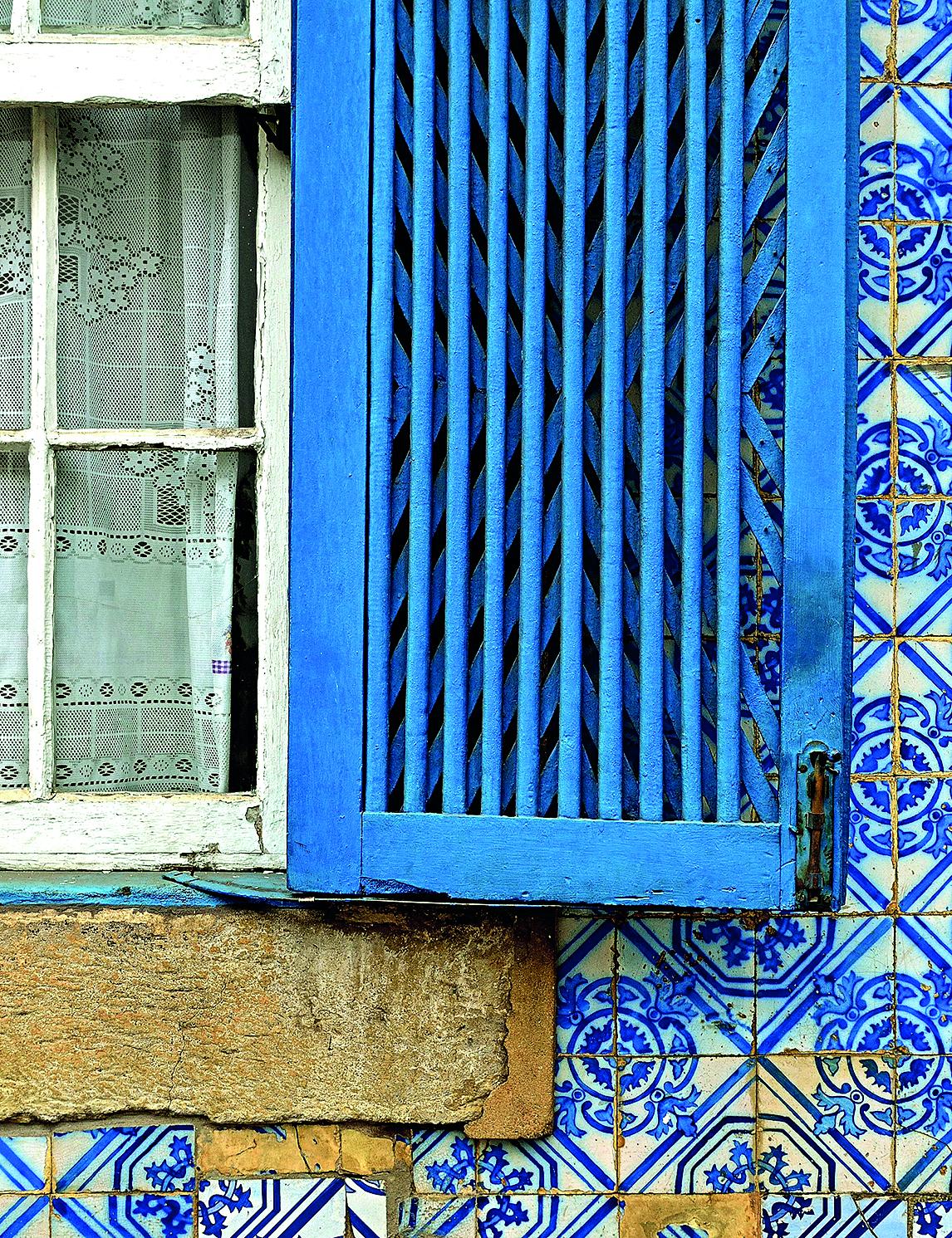 O azulejo era encarado como elemento decorativo na época colonial, adquirindo caráter artístico somente a partir de 1930. Foto: Marcos Piffer/Divulgação