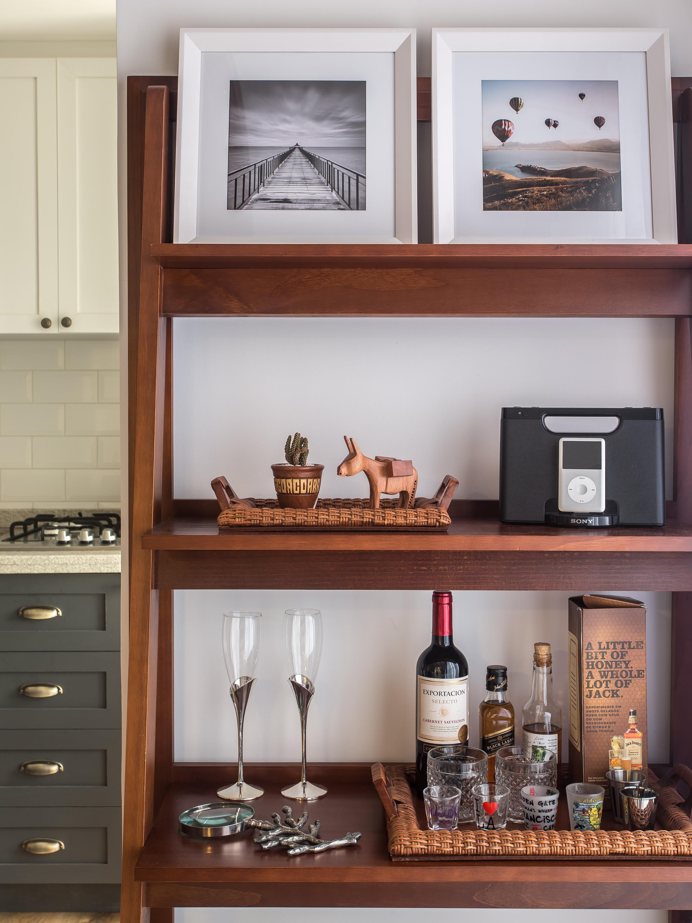 Blogueira abre seu apartamento escandinavo e mostra detalhes da decoração