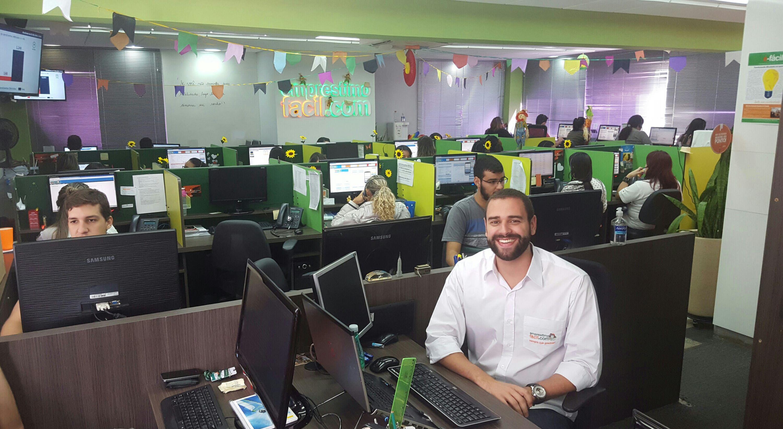 Empresário Cristiano Amâncio comemora os resultados de investir na reforma do escritório.  Foto: enrique Queiroga / Divulgação