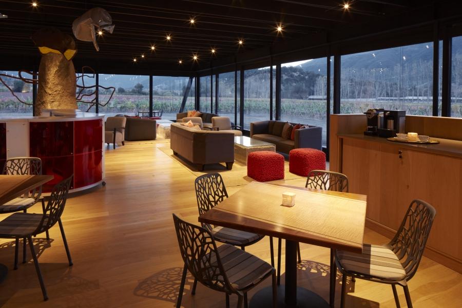 Vinícola-hotel tem arquitetura futurista e vista deslumbrante no Chile