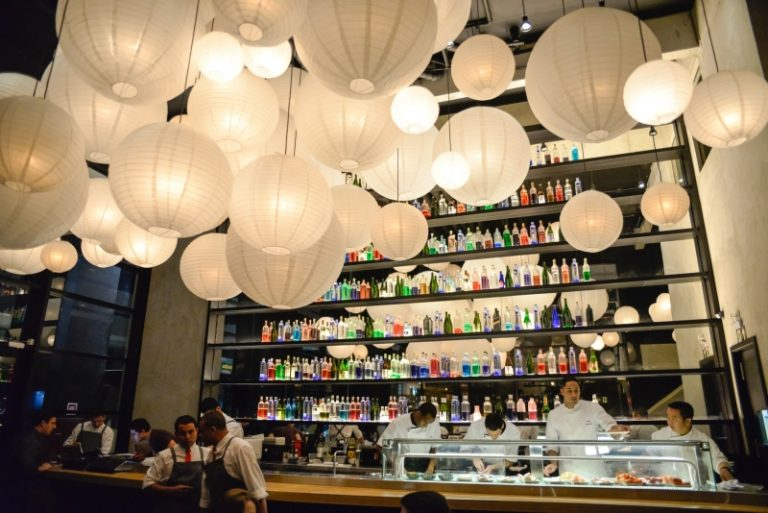 Restaurante Tuna, no Centro Cívico, alia tradição e contemporaneidade na gastronomia e na arquitetura. Foto: Priscilla Fiedler/Divulgação