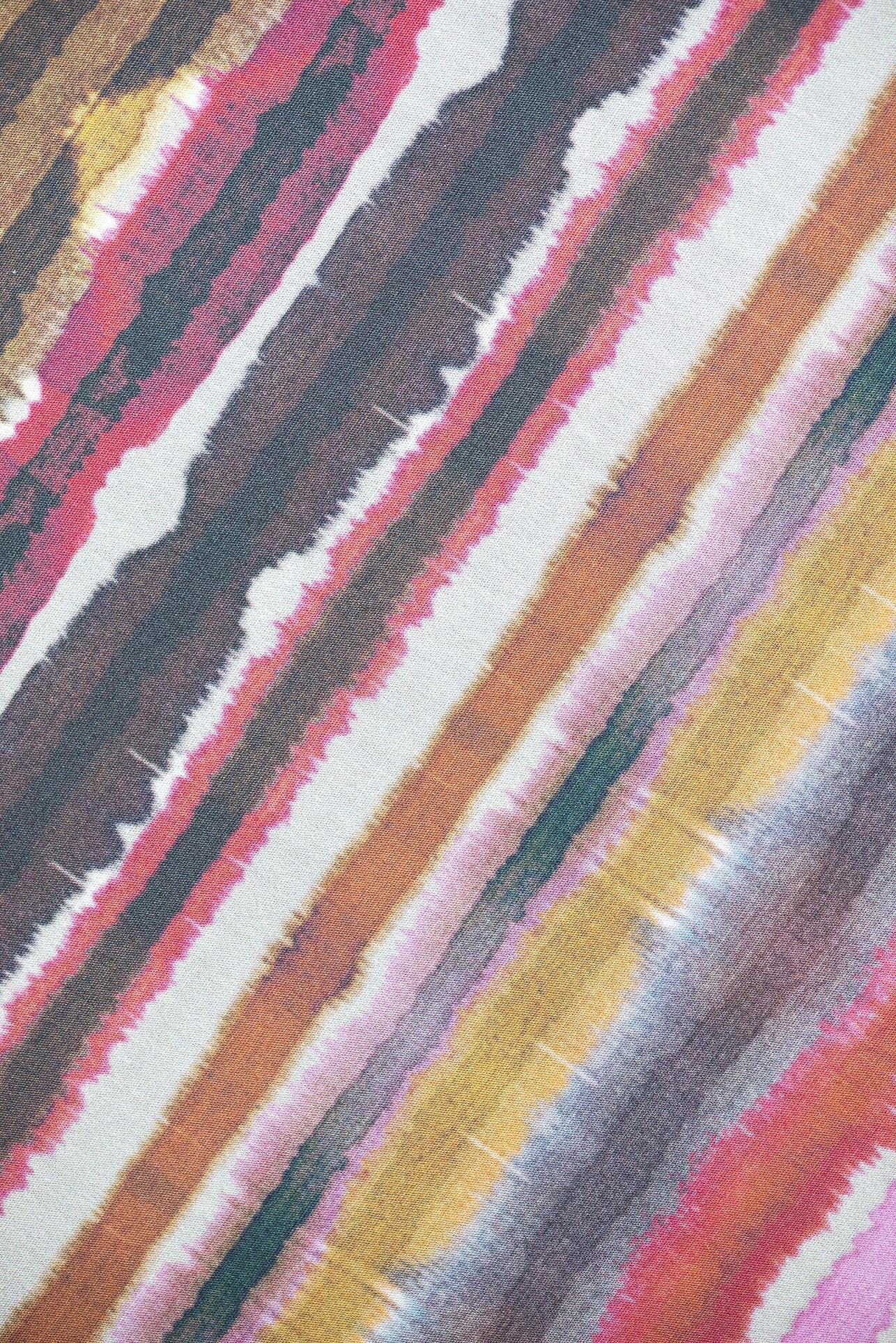 Fotos do produto Tecido Nina Campbell Coleção Rosslyn da arquiteta Renata McCartney para o Rota HAUS. Local: Orlean. Alameda Dr. Carlos de Carvalho, 1069 - Centro.