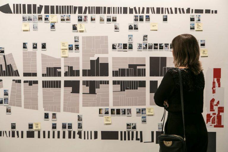 Exposição com 18 propostas que repensam Curitiba estará à mostra no MuMA até 10 de agosto. Fotos: Marcelo Andrade/Gazeta do Povo