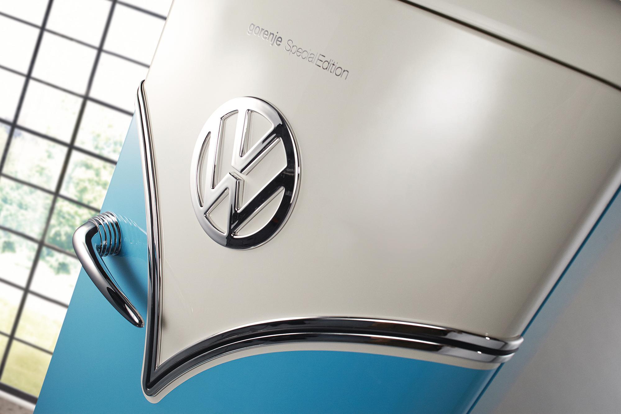 Detalhe do design da geladeira com design de Kombi.  Foto: Reprodução