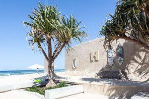 O Sand Hostel é o primeiro hostel do mundo feito totalmente de areia.  Foto: Reprodução/Hostelworld