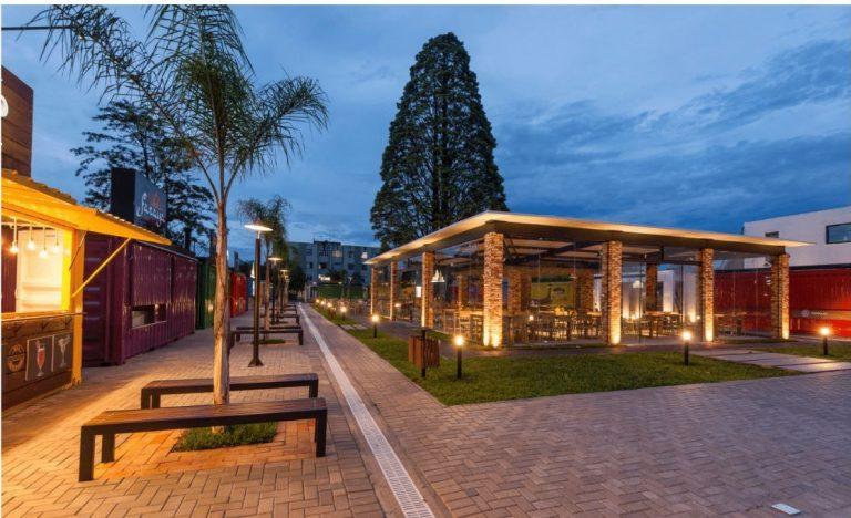 Projeto do centro gastronômico Ca'Dore, do arquiteto Bruno Colle. O projeto ganhou prêmio na categoria Área Externa.  Foto: Fernando Zequinão / Gazeta do Povo.