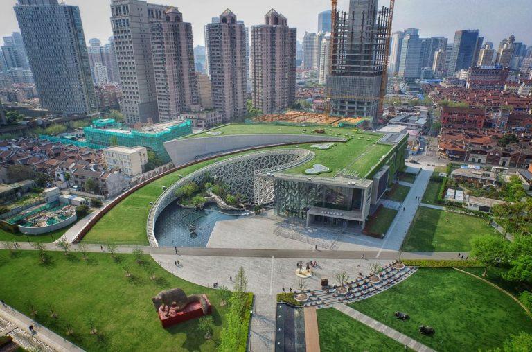 Rampa do Museu de História Natural de Xangai tem sensores que permitem controle do fluxo de visitantes. Foto: Divulgação