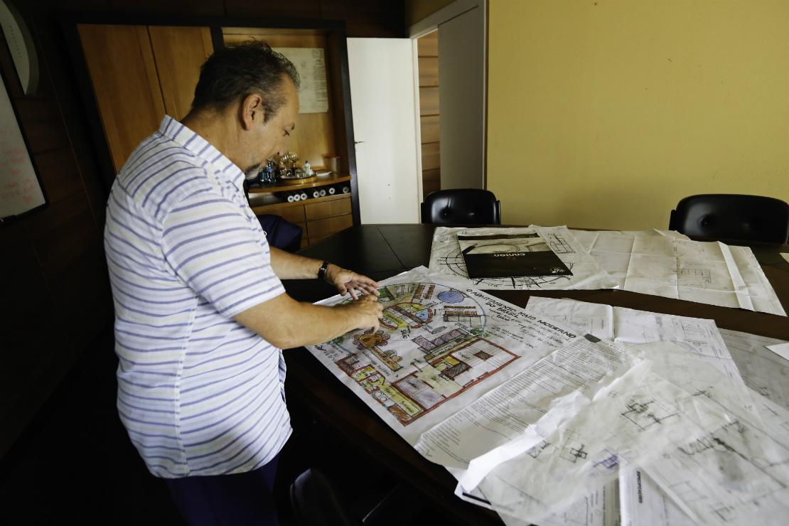 Arquiteto Bruno de Franco ainda acredita no sucesso do empreendimento. Foto: Foto: Marco Charneski / Tribuan do Paraná