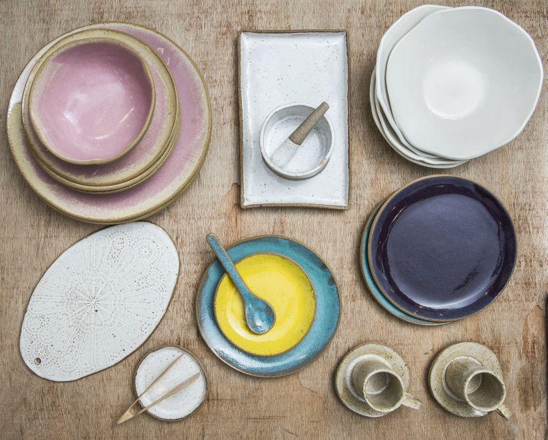 Cerâmicas das marcas Vida feita à mão e Spiral. Foto: Leticia Akemi/Gazeta do Povo