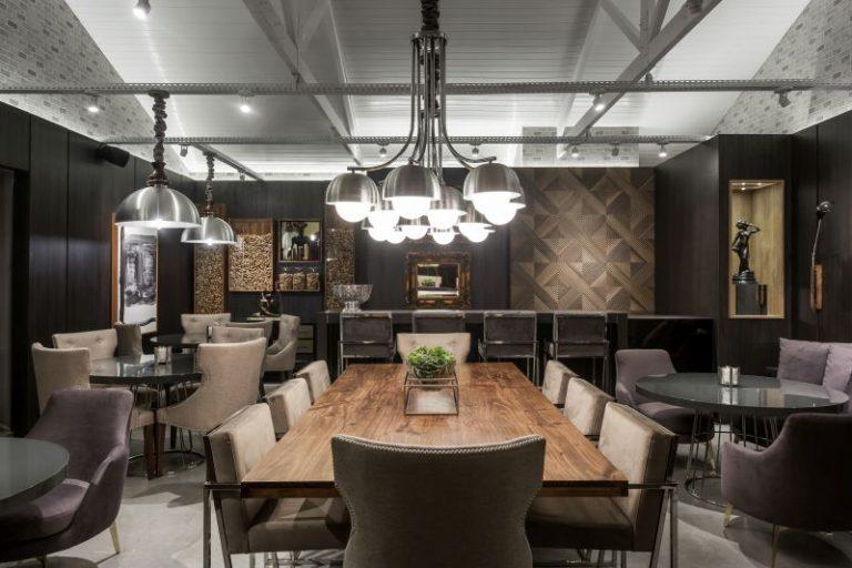 Bistrô e Bar, do arquiteto Eduardo Mourão, mescla elementos clássicos com o contemporâneo. Foto:Eduardo Macarios
