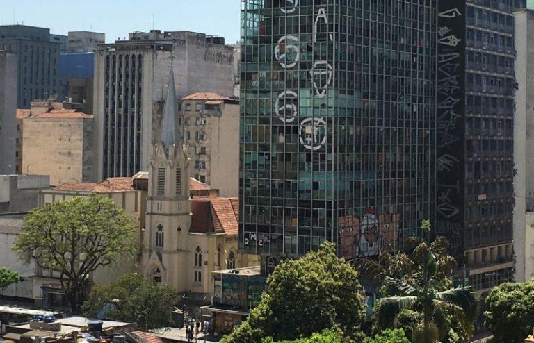 Incêndio em São Paulo destrói dois patrimônios arquitetônicos da capital paulista