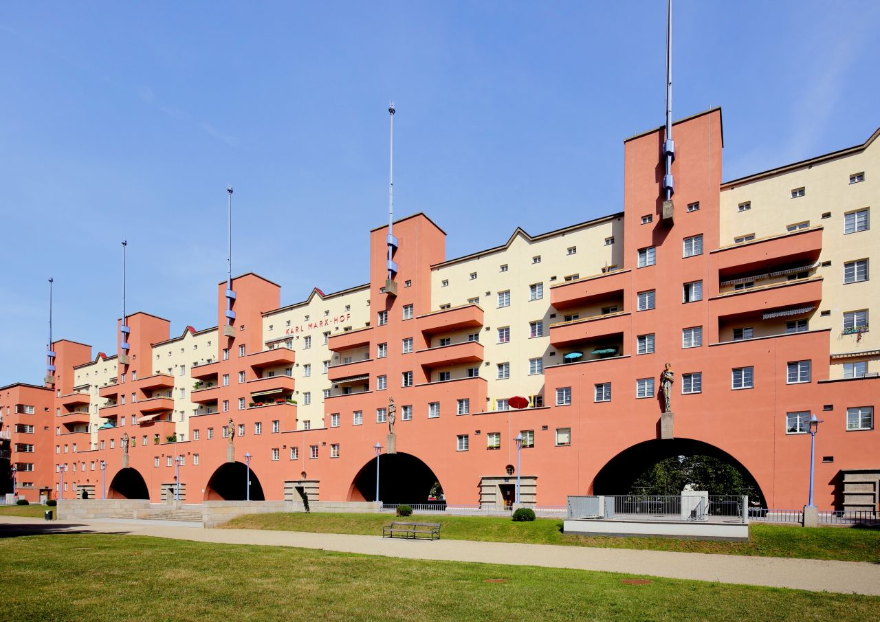 Karl-Marx-Hof, em Viena: modelo quase centenário de habitação social em larga escala. Foto: Divulgação