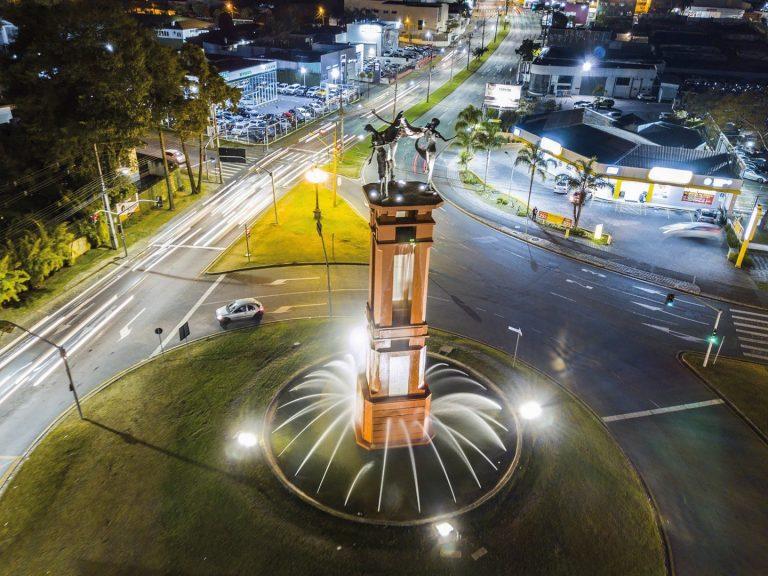 A Fonte de Jerusalém (Fonte dos Anjos), no Seminário, recebeu projetores de led e novas luminárias. Foto: SMCS / Divulgação