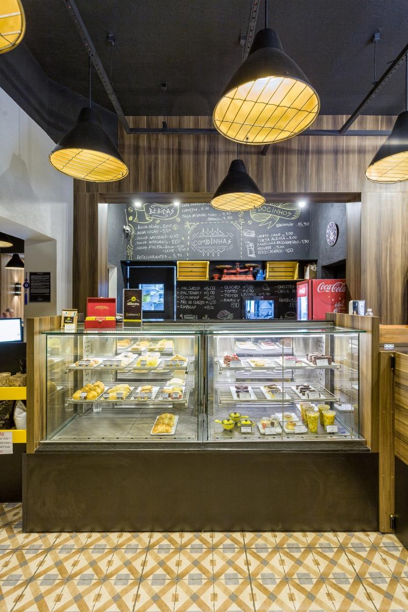 Fotos dos ambientes e alimentos do Bistrô Café Municipal para o Bom Gourmet. Local: Rua General Carneiro, 1434.