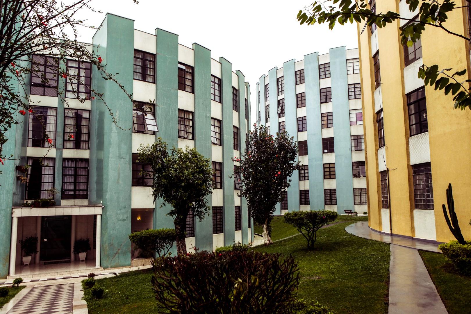Condominio Cruzeiro do Sul, no Jardim Botânico, em Curitiba.  Foto: André Rodrigues / Gazeta do Povo