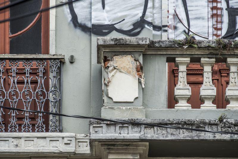 Mesmo com projeto pronto e orçado, governo do PR escolheu não reformar prédio da Belas Artes