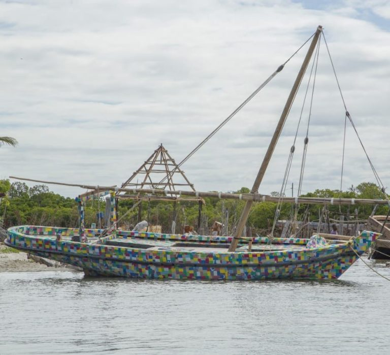 O veleiro de nove metros de comprimento está em viagem pela Costa da África Oriental. Foto: FlipFlop / Reprodução