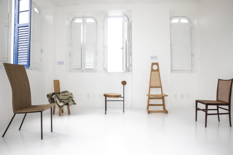 O Museu das Cadeiras Brasileiras, em Belmonte (BA), se propõe a ser o maior acervo do país neste que é o principal produto do design. Foto: Ruy Teixeira