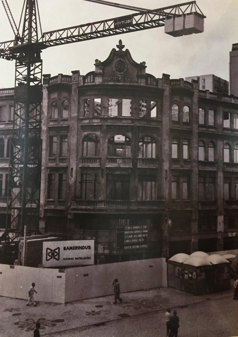 Ícone do Natal curitibano, Palácio Avenida quase foi demolido na década de 1970
