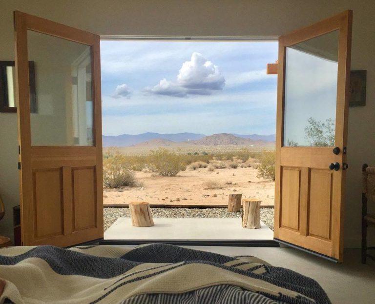 Entre as casas  e paisagens mais curtidas no Instagram do Airbnb está esta cabana dos anos 1950, na Califórnia, Estados Unidos. Fotos: Divulgação / Airbnb