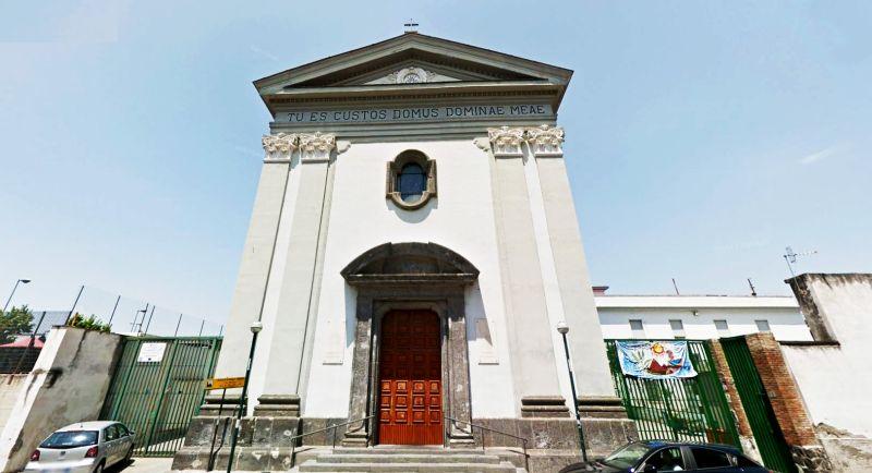 Parrocchia Sacra Famiglia Dei Padri Giuseppini, bairro Rione Luzzatti, Napoles
