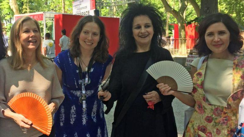 As arquitetas Martha Thorne, Caroline James, Odile Decq e Fashid Moussavi lideraram o movimento. Foto: Dezeen/Reprodução