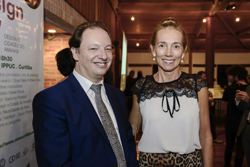 Raffaele Festa, cônsul honorário da Itália, e Norma Maria da Rui, correspondente consular honorária da Itália. Foto: Leticia Akemi