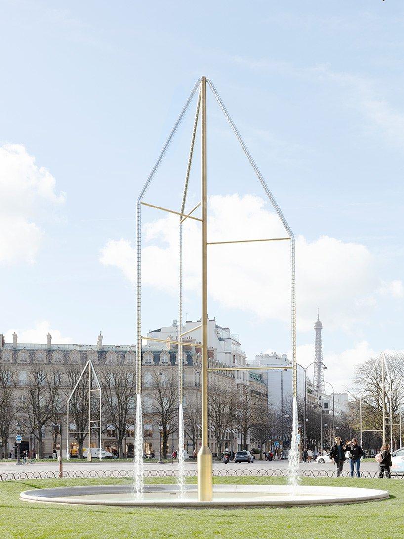 Designers criam fontes de cristais Swarovski para a principal rua de Paris