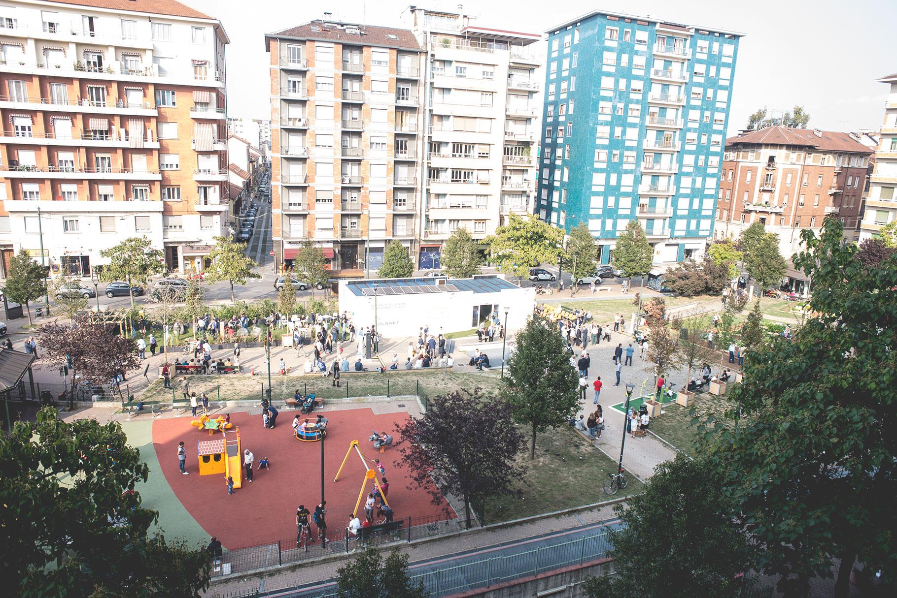 Piazza Resorgimento, em Torino, na Itália: qualidade de vida com espaços de lazer e área verde. Foto: divulgação