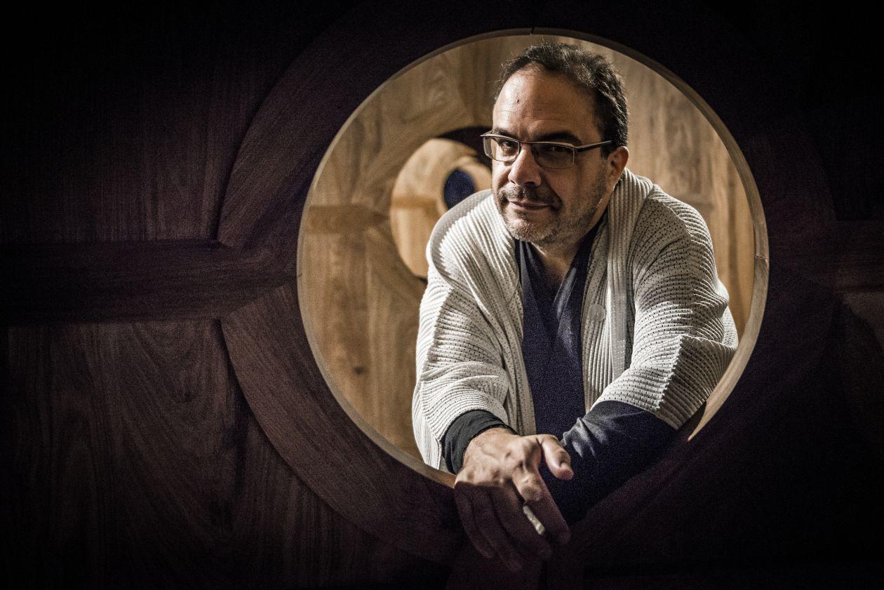 Marcello Dantas, curador da mostra. Foto: Letícia Akemi/Gazeta do Povo