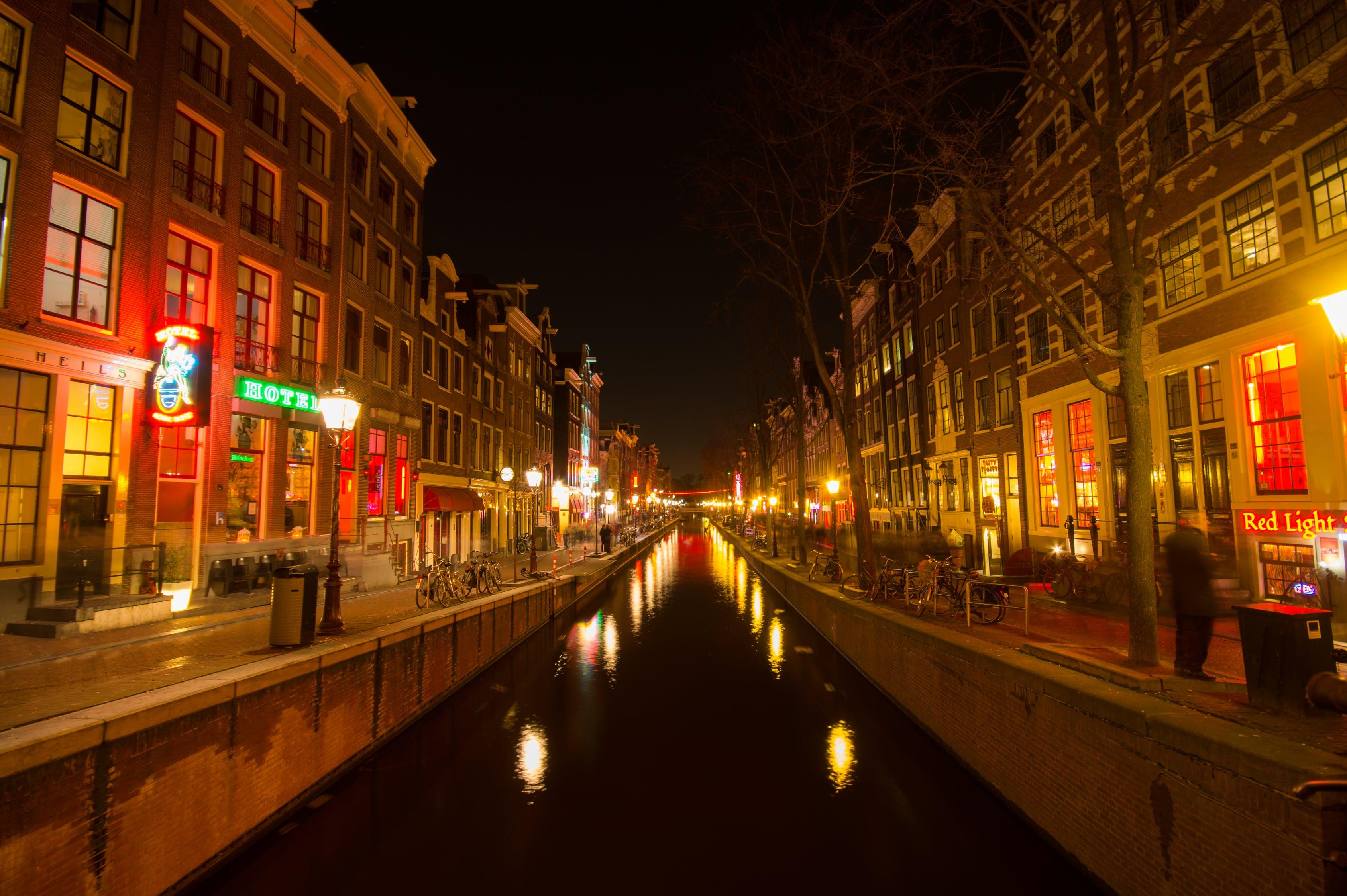 Amsterdã pretende acabar com as vitrines do polêmico 'Red Light District'