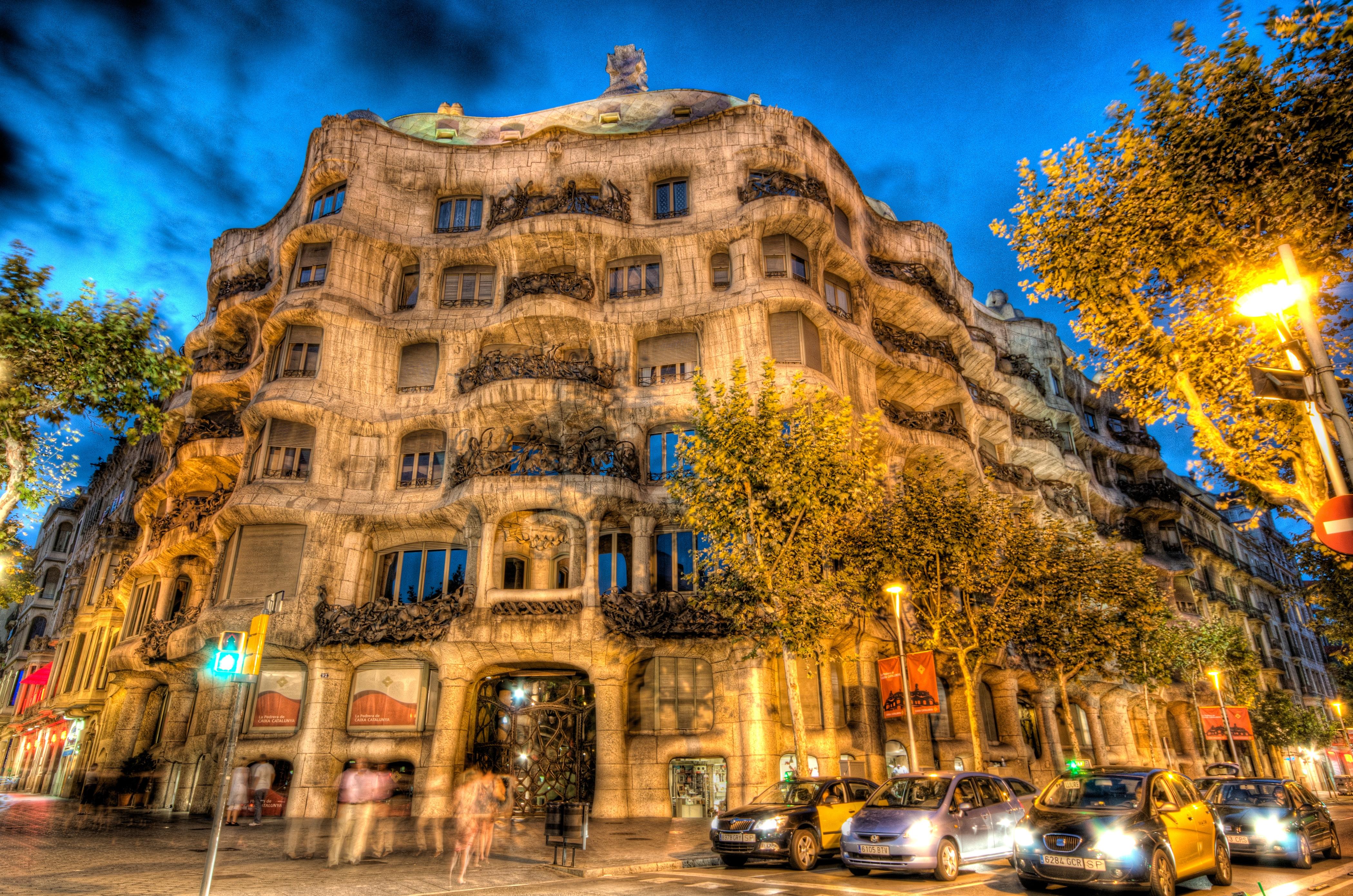 Gaudi Em Barcelona Como E Viver Na Casa Mais Famosa Do Arquiteto