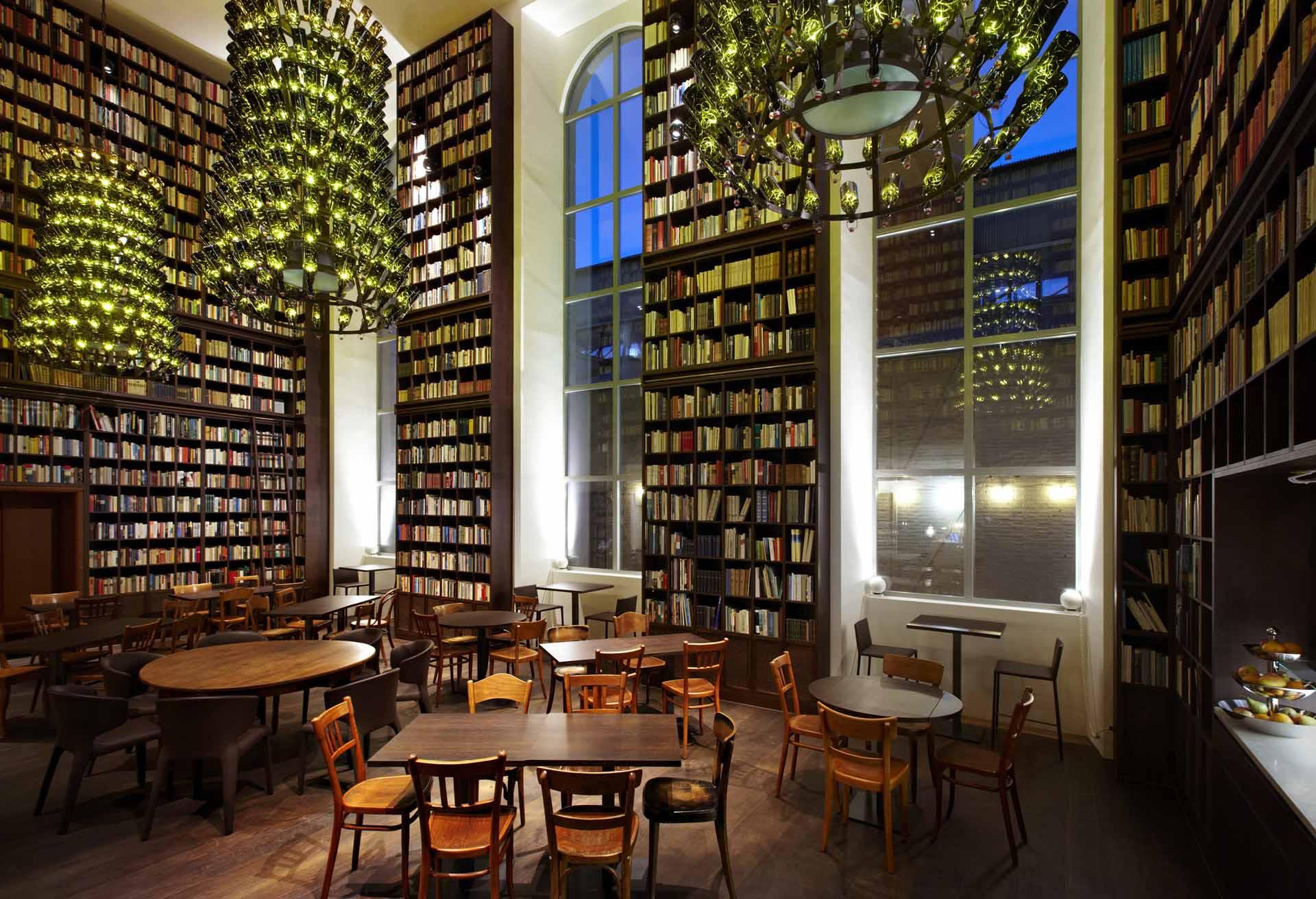 The Library Hotel, em Nova York, tem mais de seis mil livros à disposição dos hóspedes. Foto: Divulgação