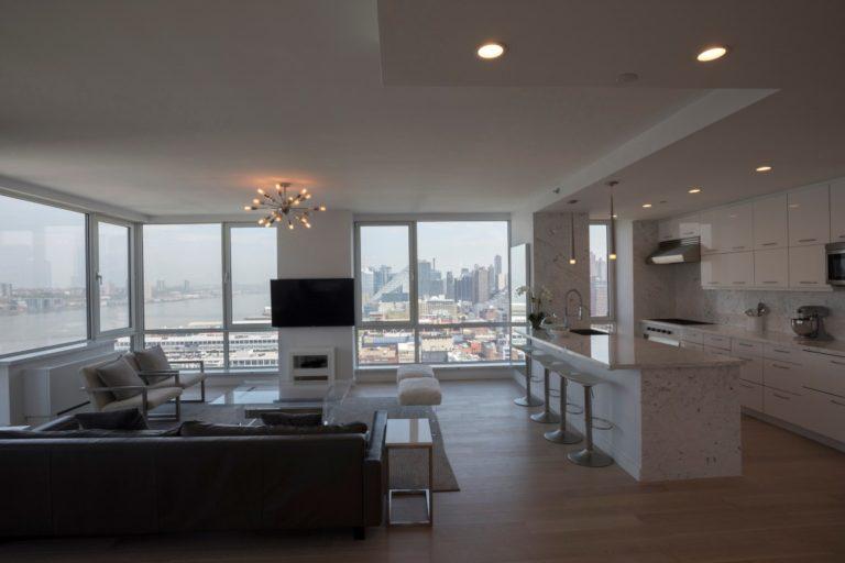 Este apartamento custa U$$ 85 milhões e não é o mais caro de Nova York. Quem pode comprar um modelo como esse faz exigências inimagináveis. Foto:  James Estrin / The New York Times