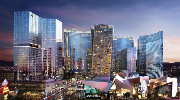 Vdara Hotel, em Las Vegas. O gigantesco complexo com 55 andares possui toda a fachada composta por vidros reflexivos. Foto: Divulgação