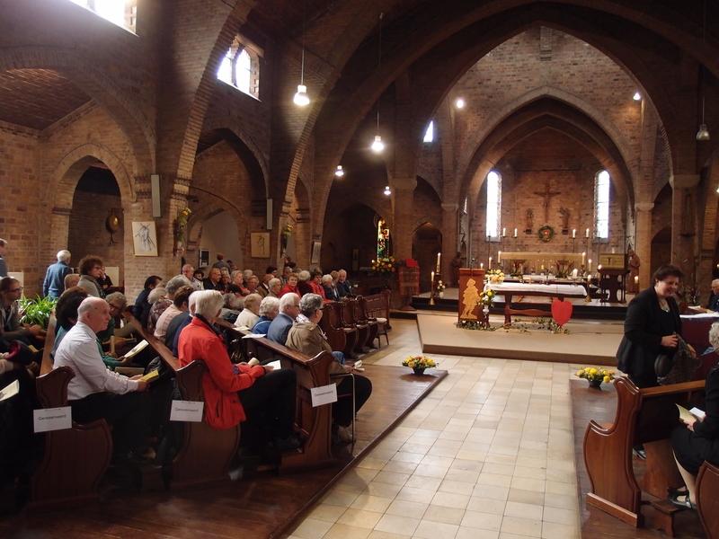 Rito de desconsagração em igreja Sint Jacobuskerk, em Utrech. Foto: Daan Beekers/Religious Matters
