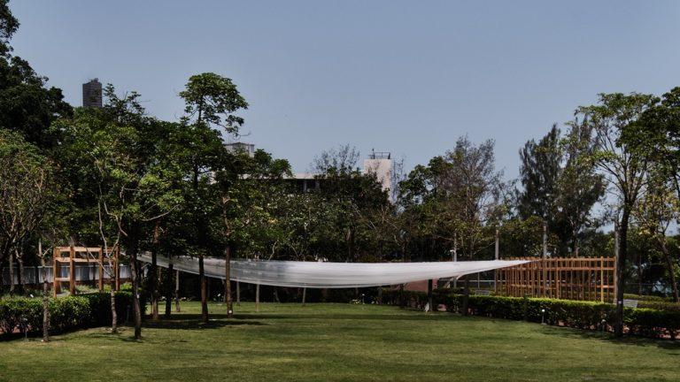 """Estrutura em madeira foi resultado do estúdio """"Drawing in Shadow"""", ministrado por Gustavo Utrabo na Universidade de Hong Kong durante o primeiro semestre de 2019. Foto: Divulgação"""