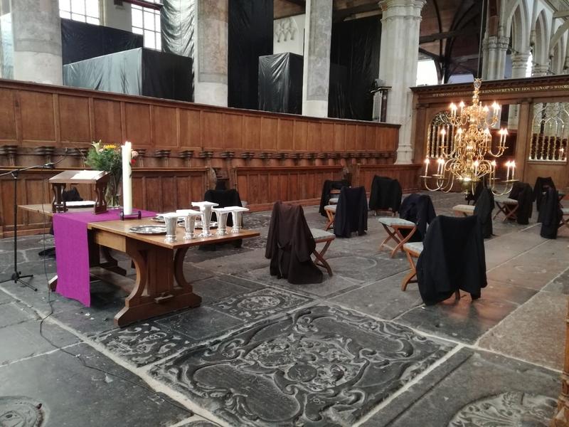 """Um dos usos mais comuns atribuídos às """"ex-igrejas"""" são museus de arte moderna e contemporênea, como na Oude Kerk. Foto: Hijme Stoffels"""