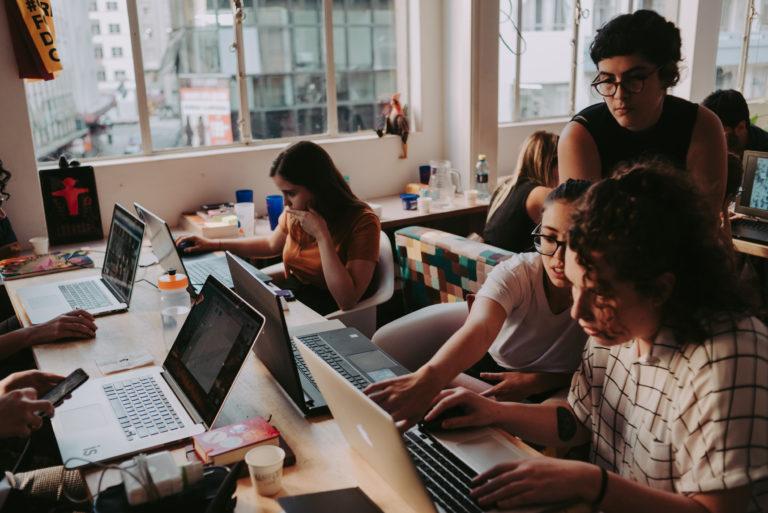 Coletivo TEU TUA, com sede no Edifício Anita, terá encontros quinzenais para compartilhar experiências entre jovens. arquitetos. Foto: Thuany Santos/Divulgação