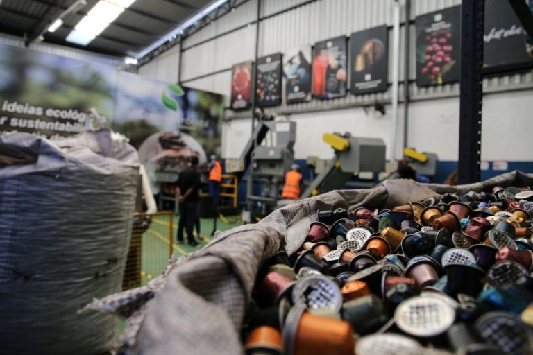 Centro de Reciclagem da Nespresso: material vindo dos 100 pontos de coleta da marca é reciclado; índice neste ano é de 23%. Foto: Deividi Correa/Ag News