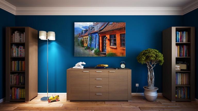 Só em pitadas ou como grande destaque da decoração: não importa, coloque mais cor em casa.  Foto: Divulgação