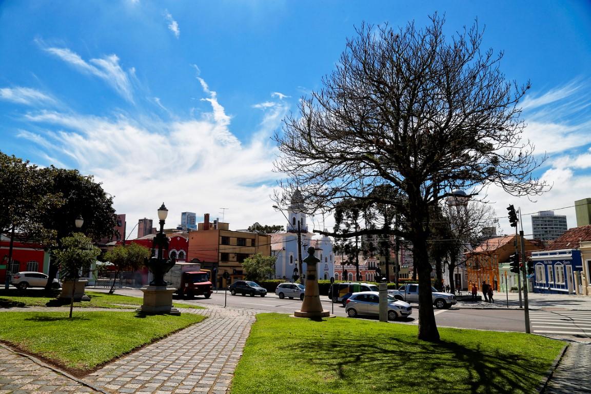 Temperaturas voltam a aumentar em Curitiba . #tempo #clima #primavera #céu